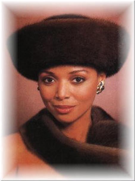 Mink Large Roller Fur Hat