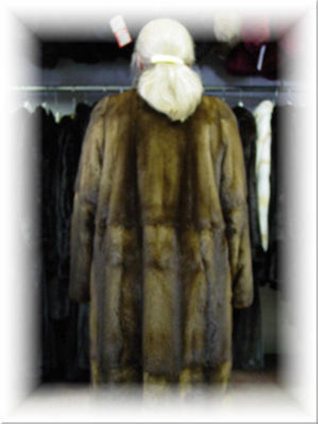 Design Full Skin Brown Mink Fur Coat with Six Buttons