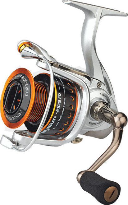 Sakura Grey Gun Reel has a great array of features, including an aluminium body and spool along with a carbon rotor. The Grey Gun also comes with a graphite spare spool, each spool having the size 3000 with 5 Ball Bearings.