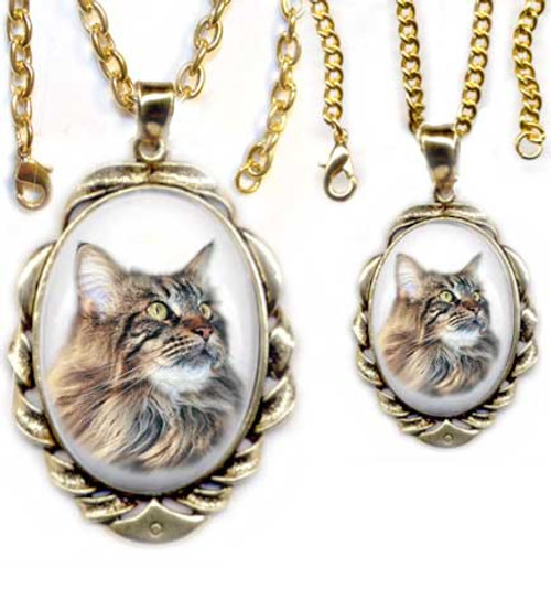 Brown Maine Coon Cat Scrolled Pendant - gold