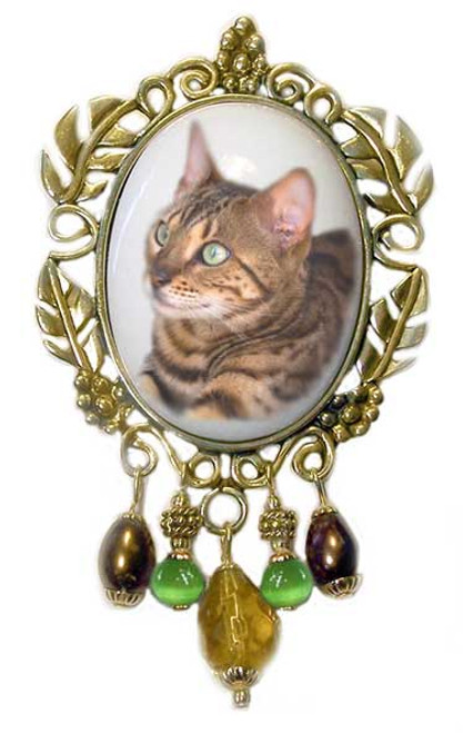 Bengal Cat Brooch - Victorian style