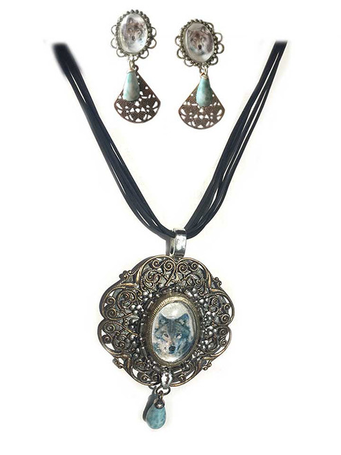 Southwestern Western Wolf Pendant Necklace & Earring Set