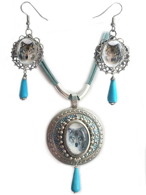 Western Renaissance Wolf Photo Pendant Necklace and Earring set