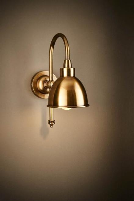 Austin Minimalist Wall Lamp - Brass