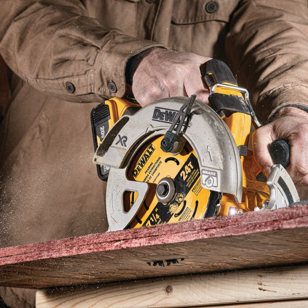 7-1/4″  24TH CARBIDE TIPPED DEWALT FRAMING BLADE