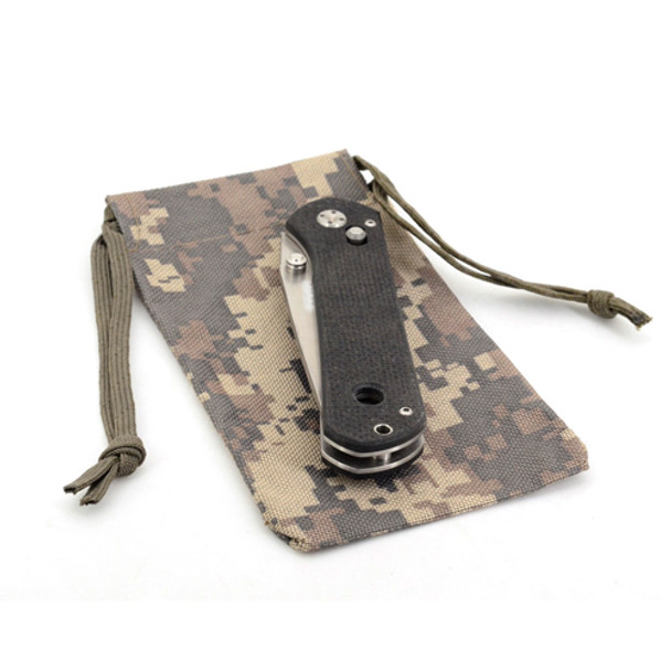 Knife with pouch