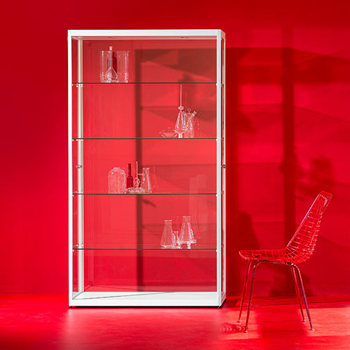 Magnuson Pictor Display Case in Use - Red