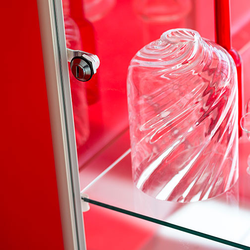 Magnuson Pictor Display Case - Glass Door Cylinder Lock Detail