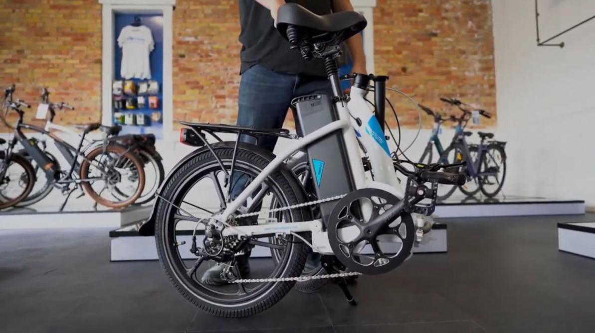 How To Fold & Unfold Magnum E-Bikes