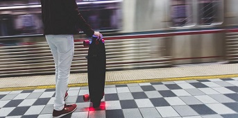 electric-skateboards-subway.jpg