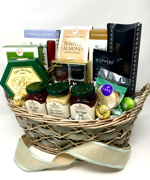 """When you really want to say """"I'm thinking of you!"""" this beautiful gift basket filled with high-quality treats is sure to please!"""