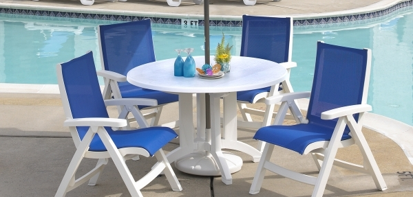 Grosfillex Tables - Grosfillex Outdoor Resin Tables