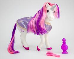 Breyer® Luna Bath Time Unicorn