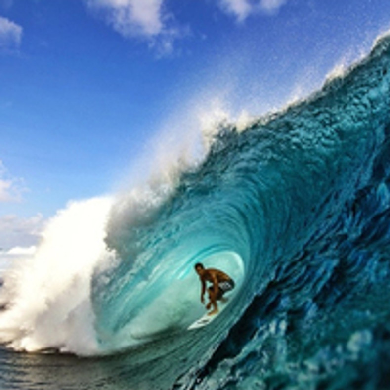 MOYA Brand welcomes Pro Surfer Eli Olson to the fam!