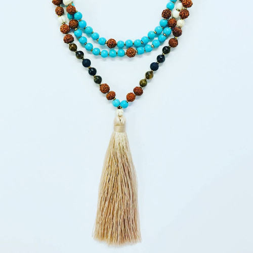 "Tassel color: ""dark vanilla"""