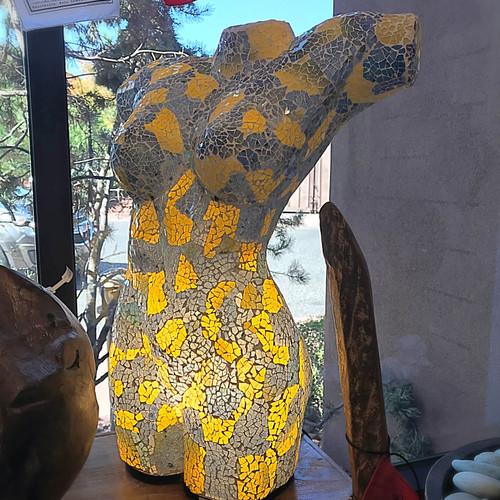 Mosaic bust lamp