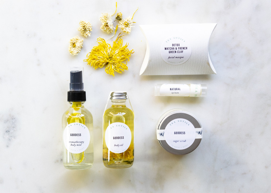 Lovely Bath+Body Gift Set