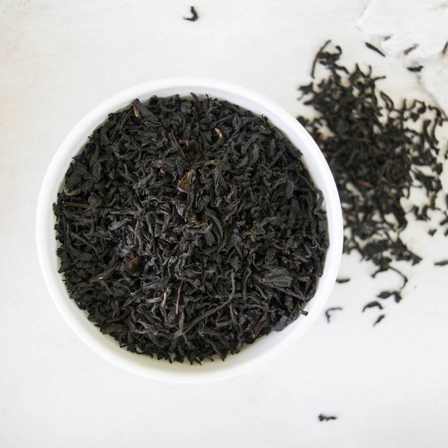 A wonderful Estate black tea from Nandi Hills in Kenya, this tea is strong and malty with hints of cocoa bean and dried fruit