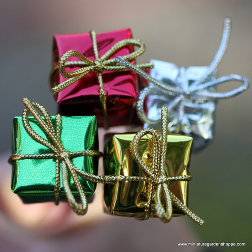 Holiday Presents (Staked)