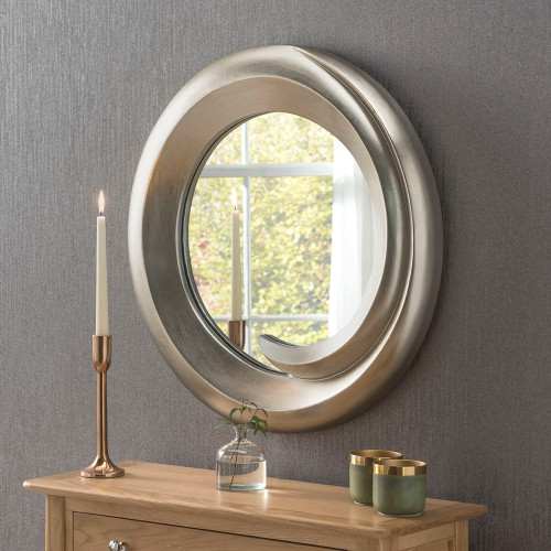 Image of scooped mirror