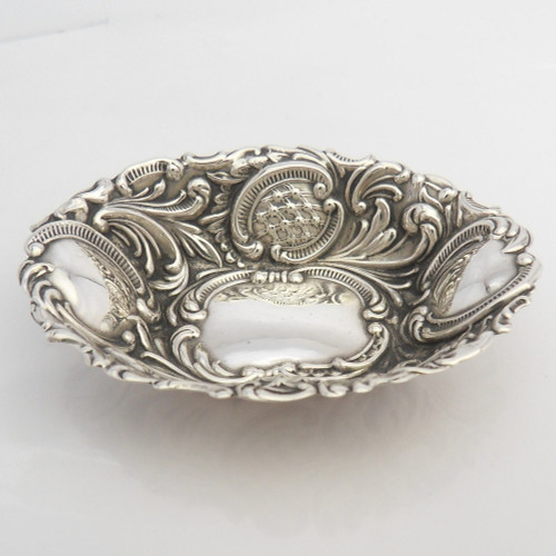 Dainty sized, embossed silver Pin Dish Tray hallmarked Birmingham 1913  by Wilmot Manufacturing Co