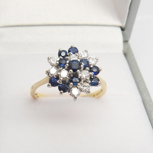 Gorgeous 18ct gold Sapphire & Diamond Cluster Ring hallmarked London 1982 size L with Anchor Certificate  Gem Report