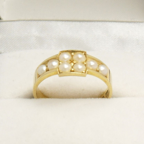 Beautiful, Victorian 18ct gold Ring set with 8 pearls hallmarked Birmingham 1883 size L