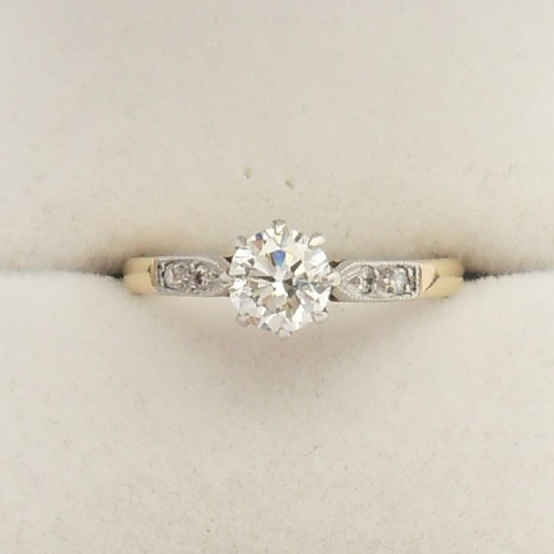 Superb 18ct gold antique Diamond Ring  approximately  0.52crt centre stone,  size K,   Anchor Cert diamond report supplied