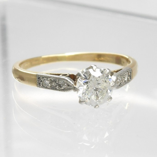 Superb 18ct gold antique Diamond Ring  approximately  0.52crt centre stone,  size K,   Anchor Certificate diamond report supplied