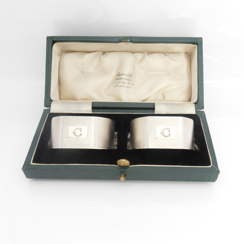 Pair of cased art deco silver Napkin Rings engraved with initial 'C' hallmarked Birmingham 1939 by William Suckling Ltd