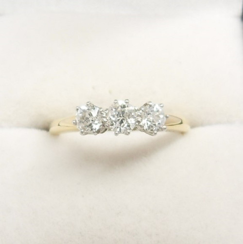 Vintage 18ct gold old cut 3 stone diamond  Ring size K approximate carat weight 0.70ct