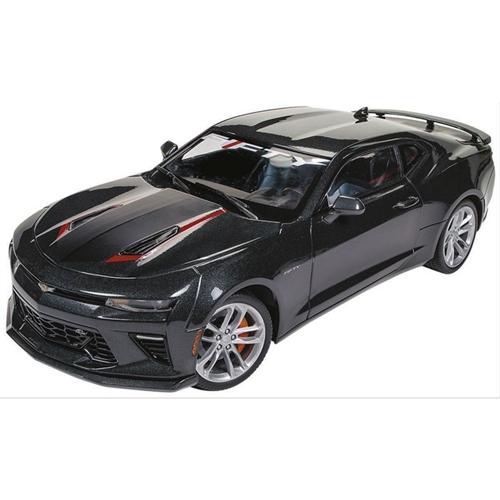 Auto World 1:18 Diecast 2017 Chevrolet Camaro SS - 50th Anniversary Edition
