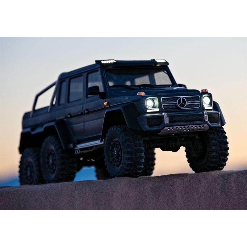 Traxxas TRX-6 Mercedes-Benz G63 6x6 Dusk with Lights