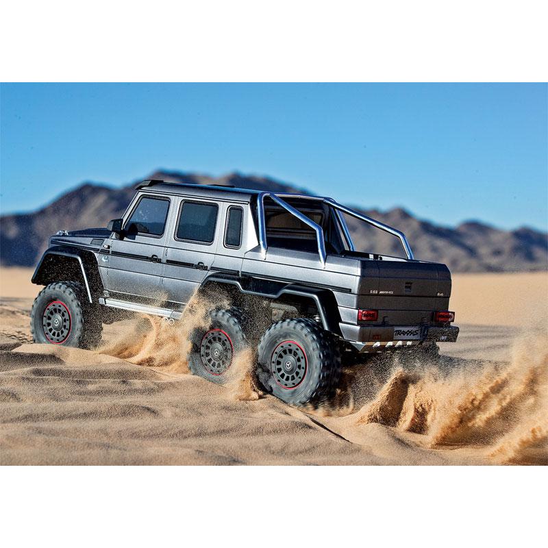 Traxxas TRX-6 Mercedes-Benz G63 6x6 Silver in Dunes