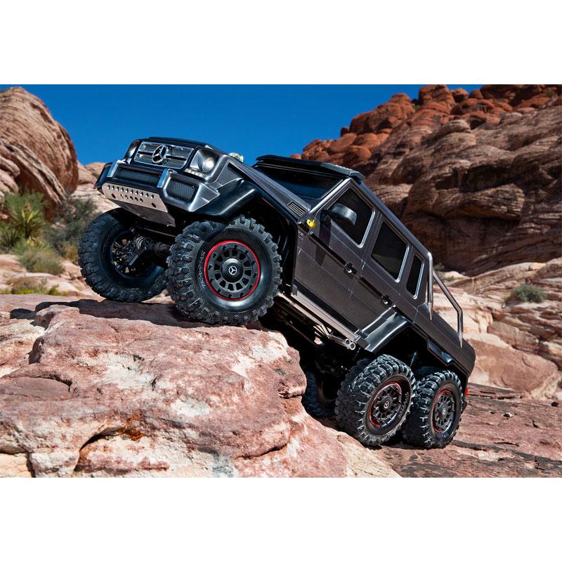 Traxxas TRX-6 Mercedes-Benz G63 6x6 Climbing Rocks