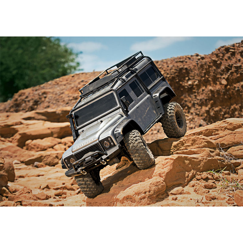 Traxxas TRX-4 Land Rover Defender RC Rock Crawler w/3S LiPo & Charger Combo (82056-4)