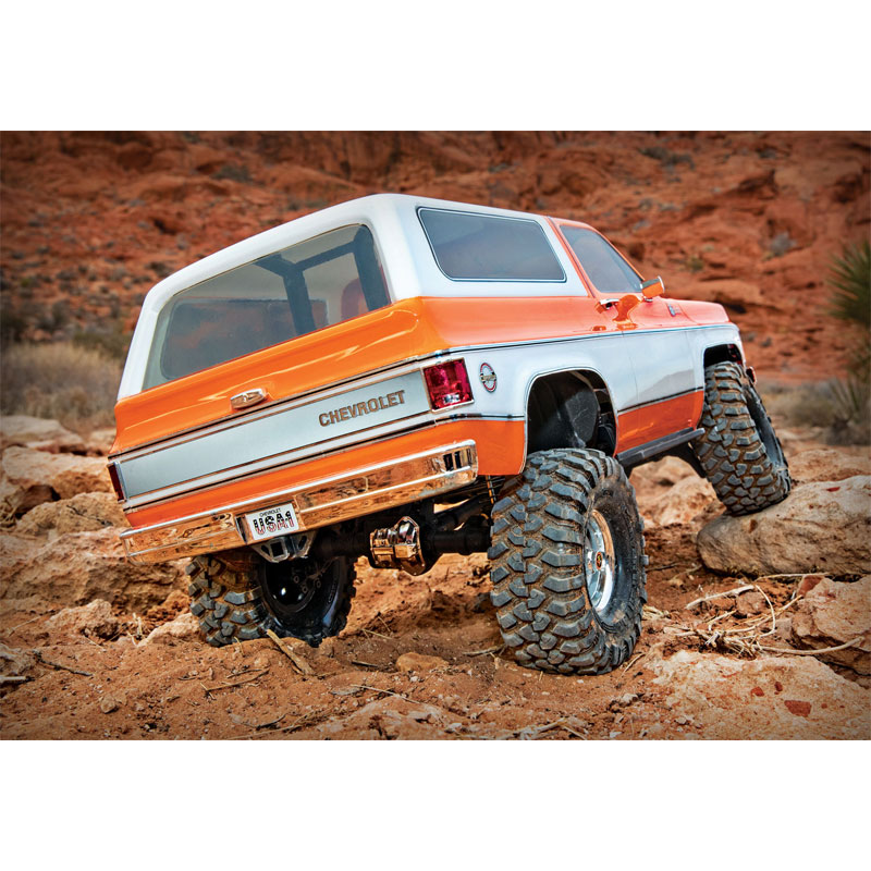 Traxxas TRX-4 Chevy K5 Blazer RC 4x4 Rock Crawler RTR with 3S LiPo Battery & Charger Combo (82076-4)