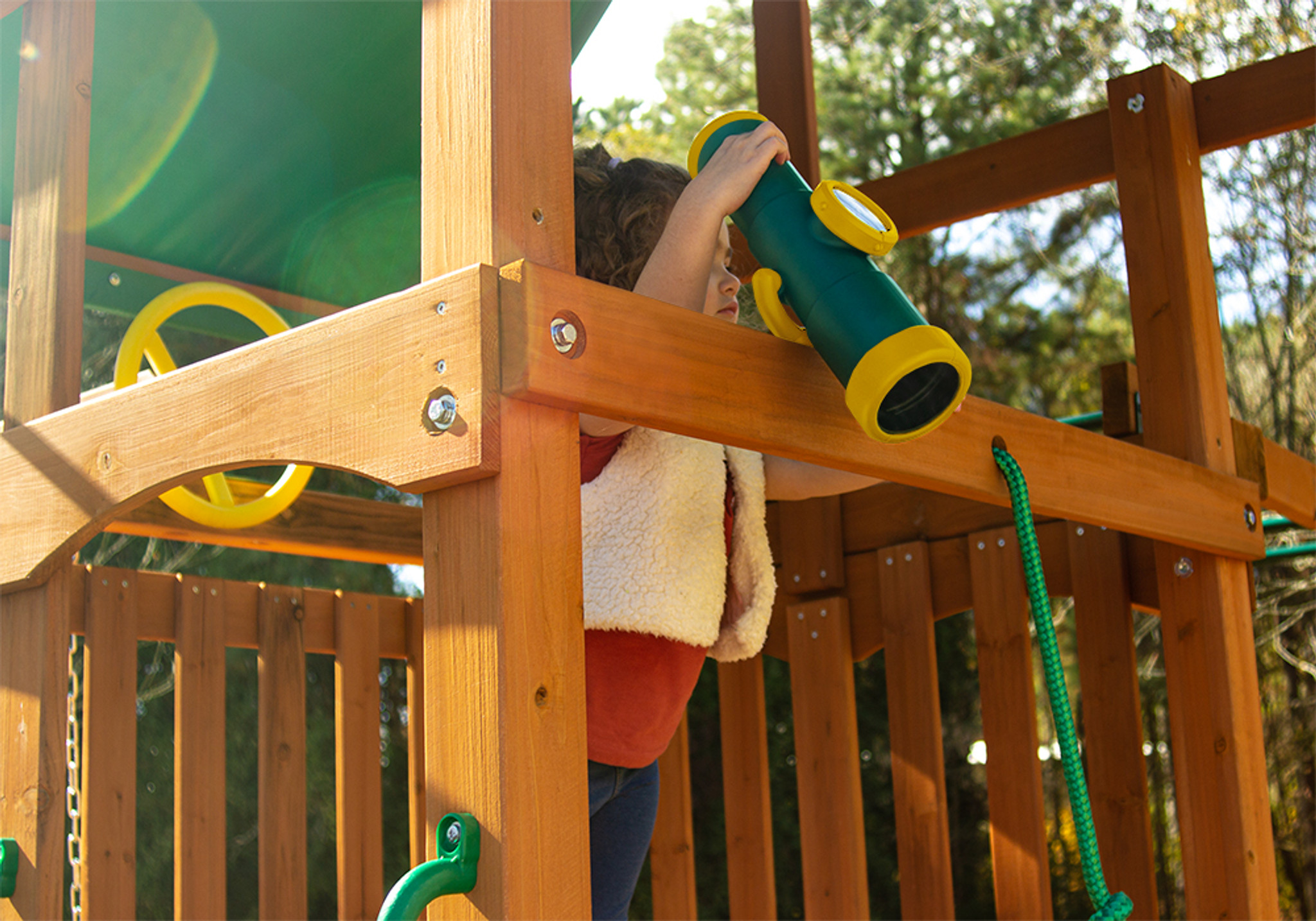 See fun times coming from all directions with Telescope with Compass from PlayNation Play Systems.