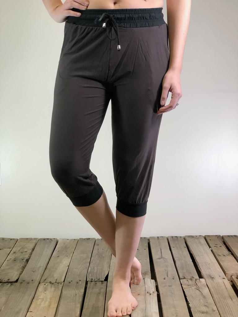 Jogger Capri- Solid Colors