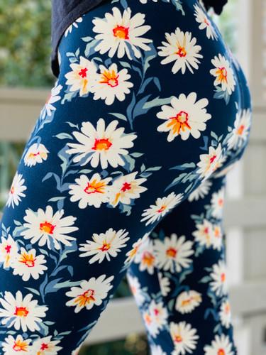 One Size Capri- Daisy Days
