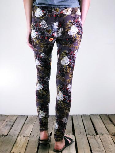 "Yoga 5"" Waistband- (One Size): Among Wildflowers"