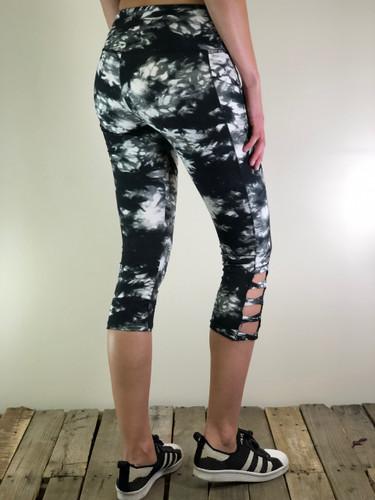 Capri Activewear- Smoke N' Mirrors: Light Grey