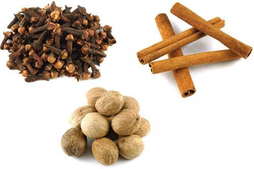 Jalpur Millers Spice Combo Pack - Nutmeg 100g - Cinnamon Quills 100g - Cloves 100g (3 Pack)