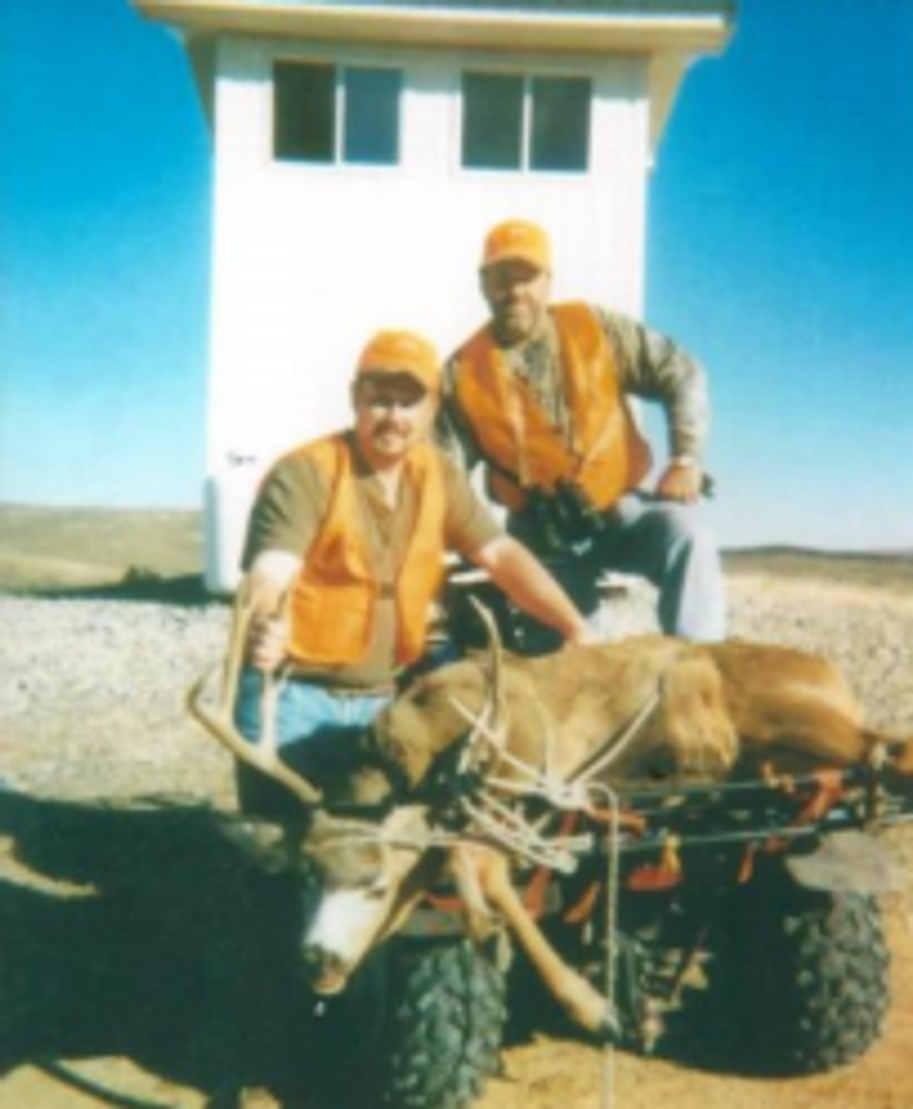 Hunt #5077 Guided Elk/Deer/Antelope Shooting House 4,000 Ac Private & BLM