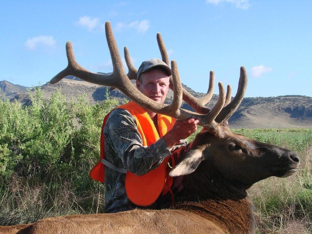 Hunt #5105 Guided Mule Deer/Elk/Antelope 2500 Ac Private
