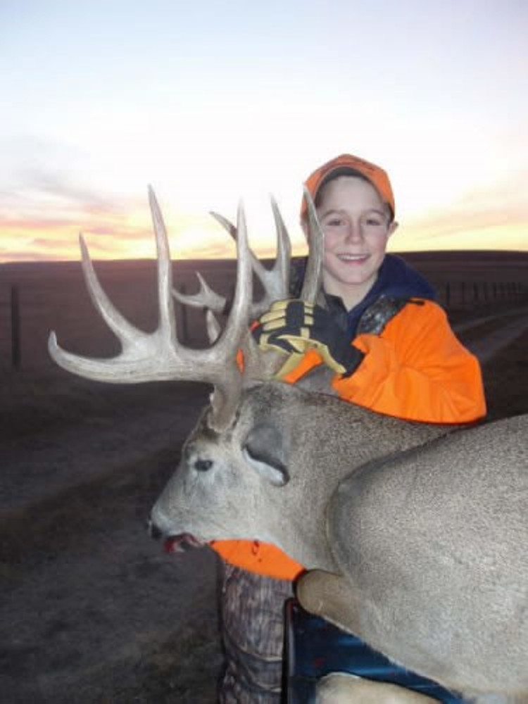 Successful youth whitetail hunt in NE.