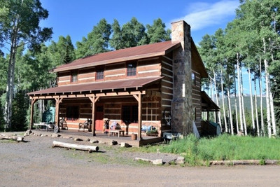 Private land hunting cabin
