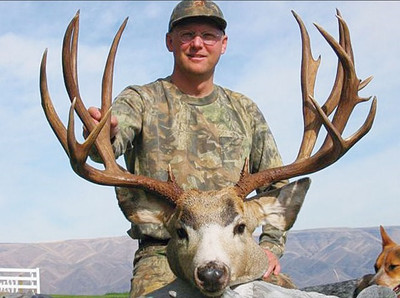High country pack-in hunt for mule deer.
