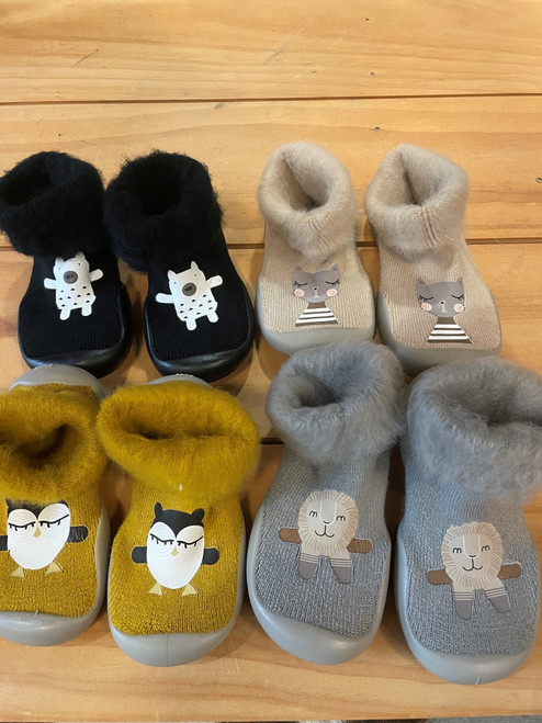 Non-slip booties for baby