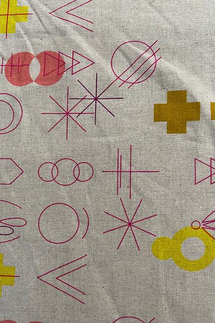 Woven Linen/cotton    Geo pinks Now $14/mt